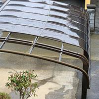 割れてしまったカーポート屋根の交換